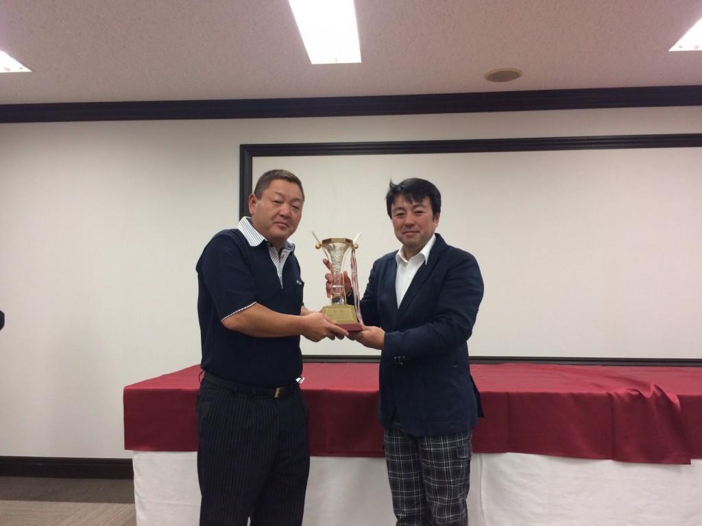 優勝は、智電工株式会社 小林智明さんです。